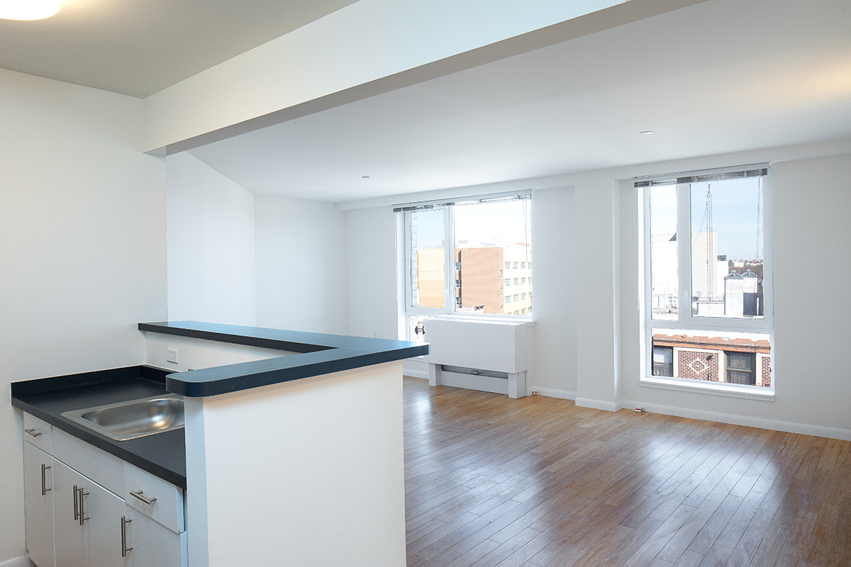 Morris Avenue Apartments with INTUS Eforte triple pane steel reinforced polymer windows