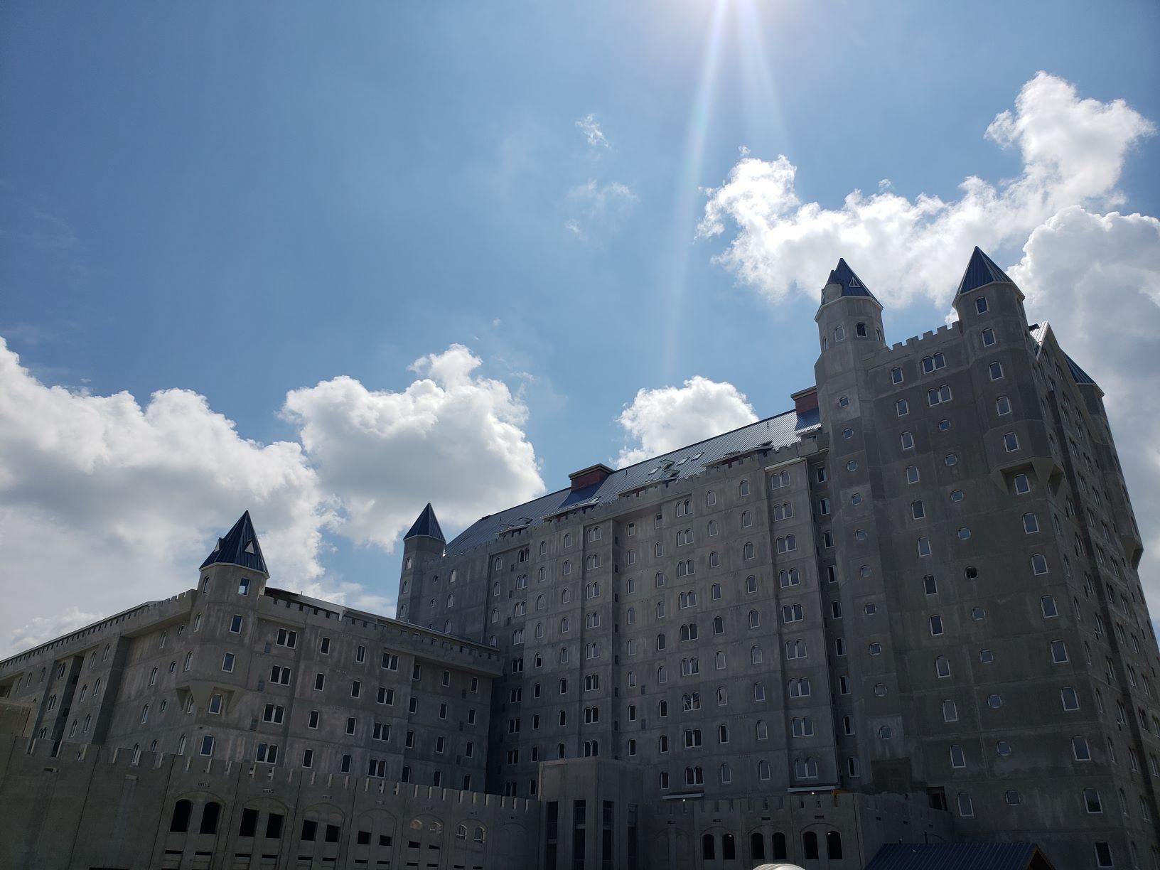 Grand Castle Apartments
